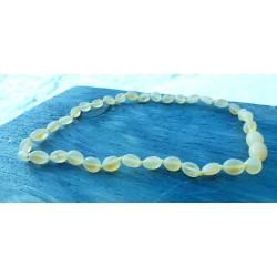 Jantarové korálky pro děti - máslové neleštěné olivy Bianka