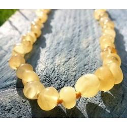 Jantarové korálky pro děti - Máslové olivky